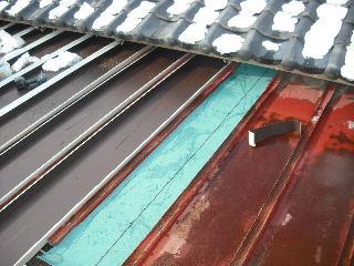 屋根改修工事_f0031037_2071661.jpg