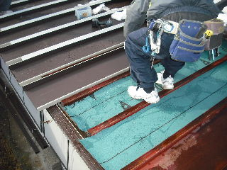 屋根改修工事_f0031037_20765.jpg