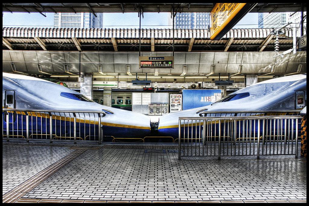 新幹線は窓側?通路側?_c0214542_2147338.jpg