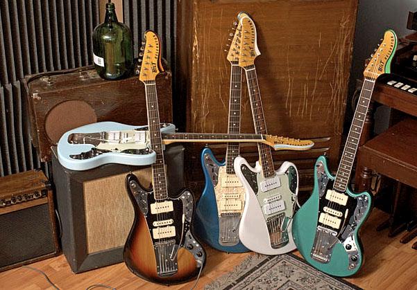 ビザール的ニオイを発する!?「Bilt GuitarsのRELEVATOR」。_e0053731_20104744.jpg