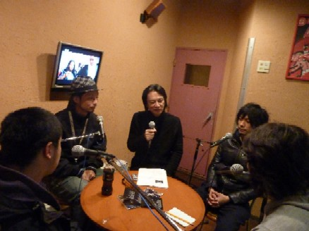 2009-12-23 Interview with quasimode_e0021965_10191617.jpg