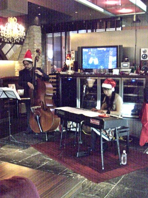 今夜はグラバー園でクリスマスライブ_d0052485_11453642.jpg