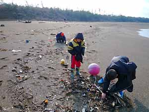 浜地・・・みんなの見つけたモノ_c0019338_22255359.jpg
