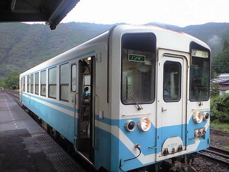 四国の鉄道 6_b0005281_0595063.jpg