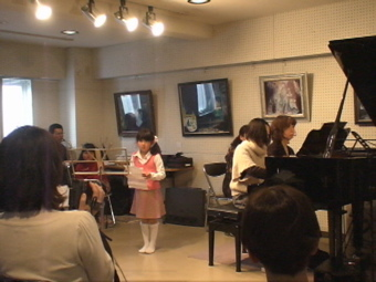 "jmc音楽教室""冬のミニ・コンサート""`09_d0016397_2152266.jpg"