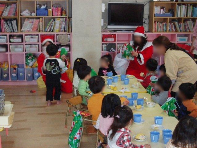 クリスマスお楽しみ会_e0148419_16351547.jpg