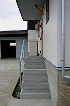 階段でアプローチする_d0082238_2345734.jpg
