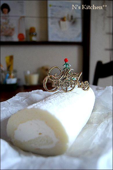 白のロールケーキ&超簡単ティラミス_a0105872_3183851.jpg