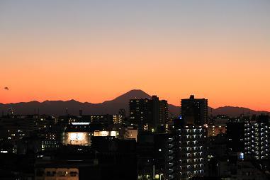 夕暮れと富士山_b0189489_20124294.jpg