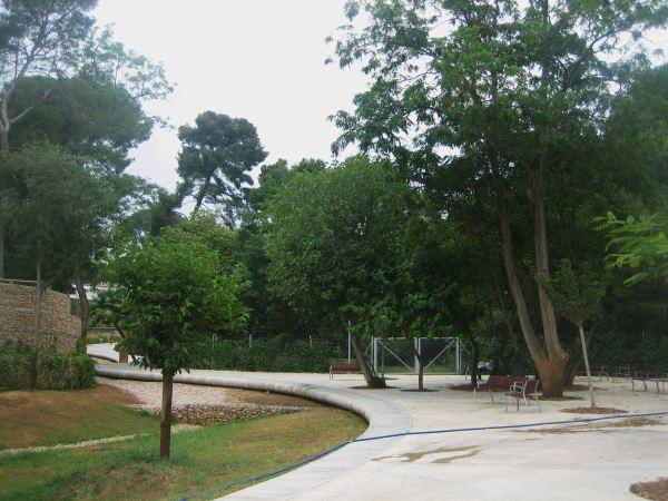 サリア地区の新しい公園 Parc de Joan Reventos_b0064411_9215174.jpg