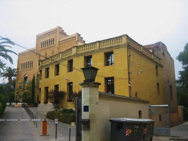 サリア地区の新しい公園 Parc de Joan Reventos_b0064411_925916.jpg