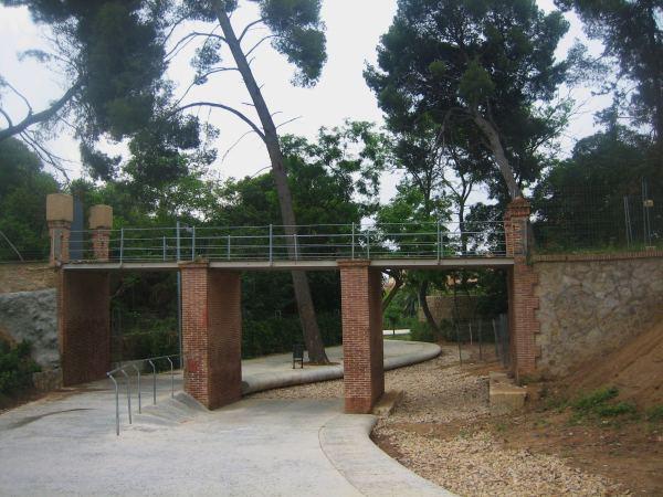 サリア地区の新しい公園 Parc de Joan Reventos_b0064411_9265811.jpg