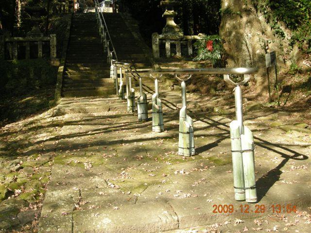 参道に1000基の竹灯籠_f0191383_14303041.jpg