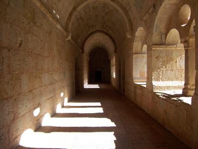ル・トロネ修道院_f0083342_1045237.jpg