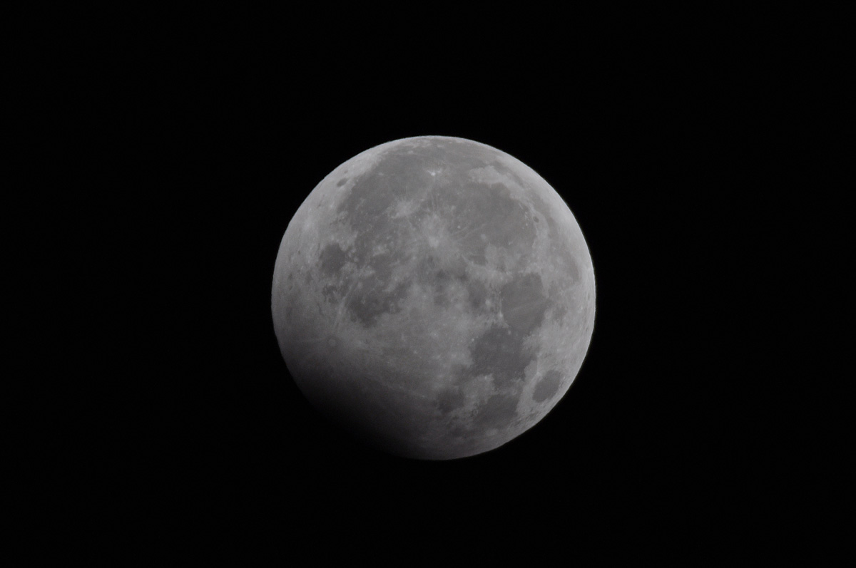 元旦の月食_e0174091_552088.jpg