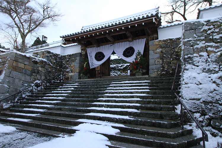 雪の三千院_e0051888_1713214.jpg