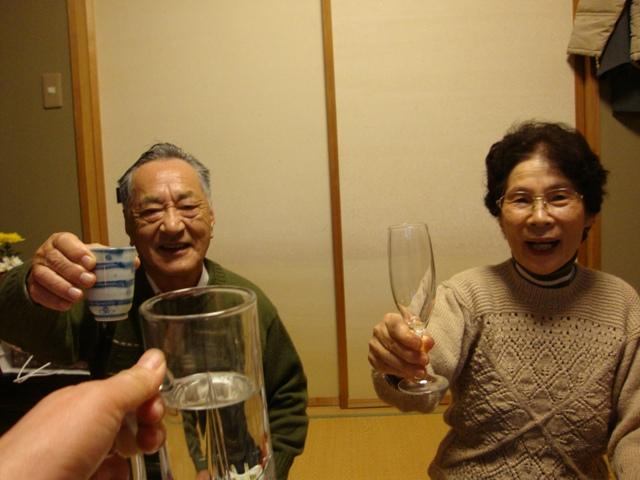 新年会で酔っぱらい_a0126590_9134820.jpg