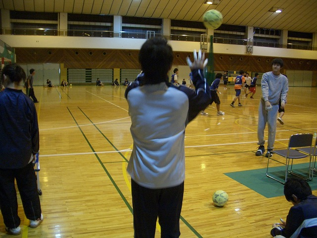ハンドボール部OB会の「初投げ」_f0141310_23515723.jpg