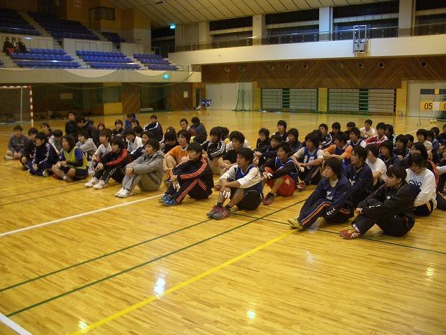 ハンドボール部OB会の「初投げ」_f0141310_23524931.jpg