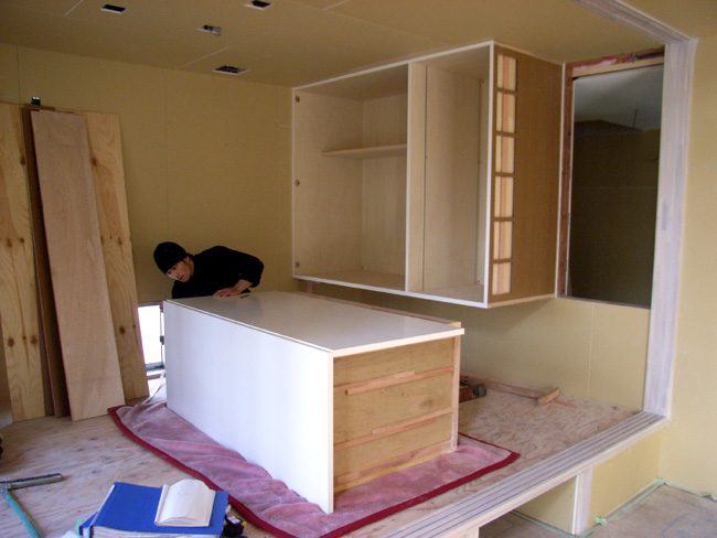 N邸の大型家具取り付け_b0186200_1111671.jpg