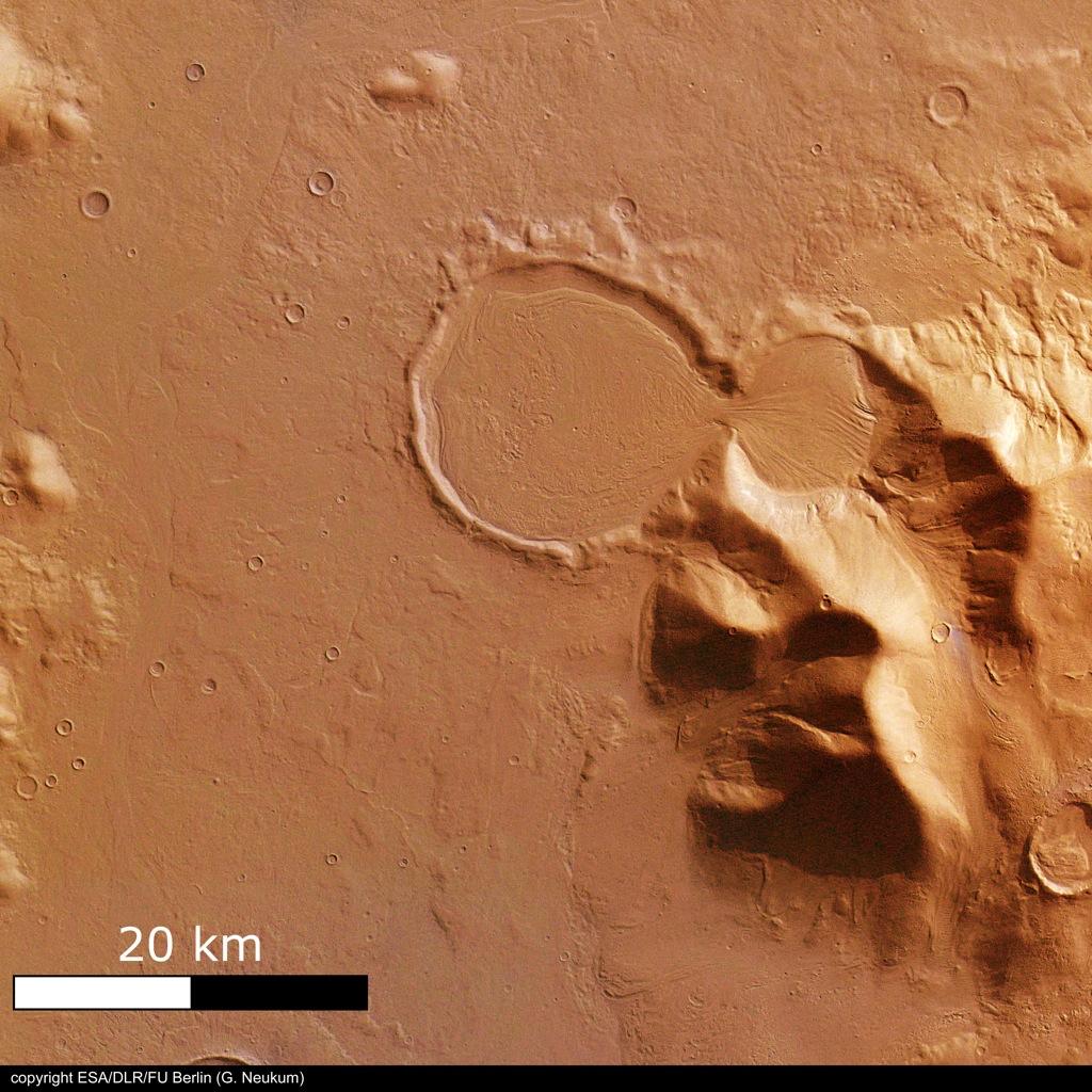 火星の遺跡:アワーグラス(砂時計)クレーター、サクラホッセ_e0171614_1020457.jpg