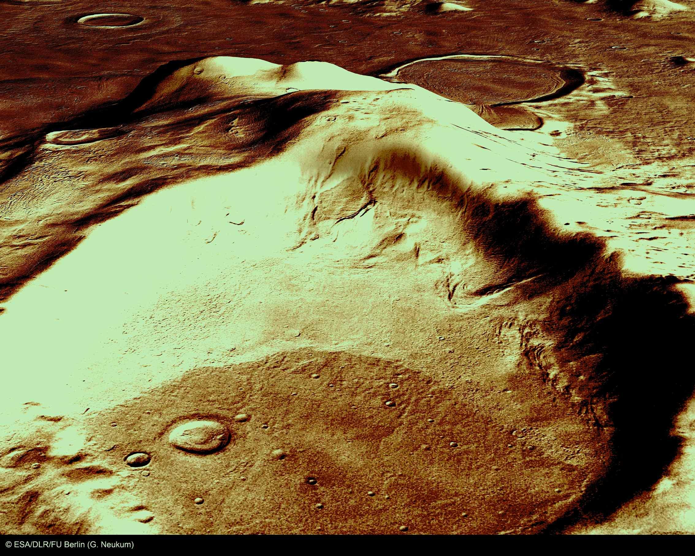 火星の遺跡:アワーグラス(砂時計)クレーター、サクラホッセ_e0171614_10233399.jpg