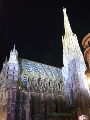 ウィーン夜灯り_e0164774_2361256.jpg