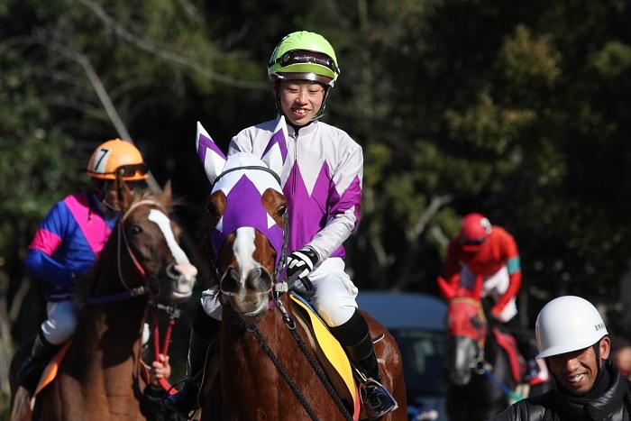 2010年1月1日(金) 高知競馬 2R 門松特別 E8_a0077663_175417.jpg