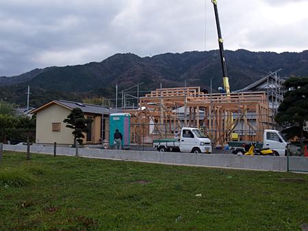 100108 『大野中の家3』~2期工事~上棟_b0129659_911252.jpg