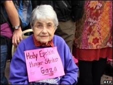 ガザ自由行進に参加するホロコースト生存者は語る_e0105099_1039062.jpg