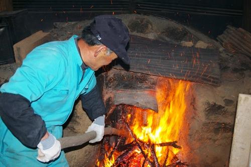 1/9 究極の火遊びを楽しむ 炭作り_b0174425_14155411.jpg