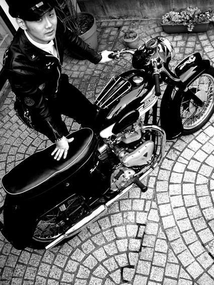 5COLORS 『 君はなんでそのバイクに乗ってんの?』#13_f0203027_23403183.jpg