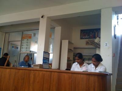 病院へ。スリランカで使ったお金_e0182138_16324596.jpg