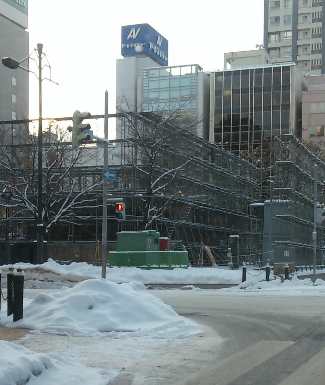 今年も雪祭りの季節が‥‥‥_f0209045_2148880.jpg
