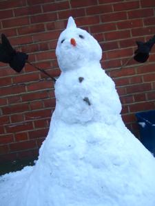 新年!雪人間作成記_e0030586_17592436.jpg