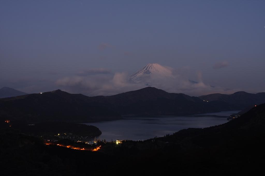芦ノ湖の夜明け_b0116600_2191826.jpg