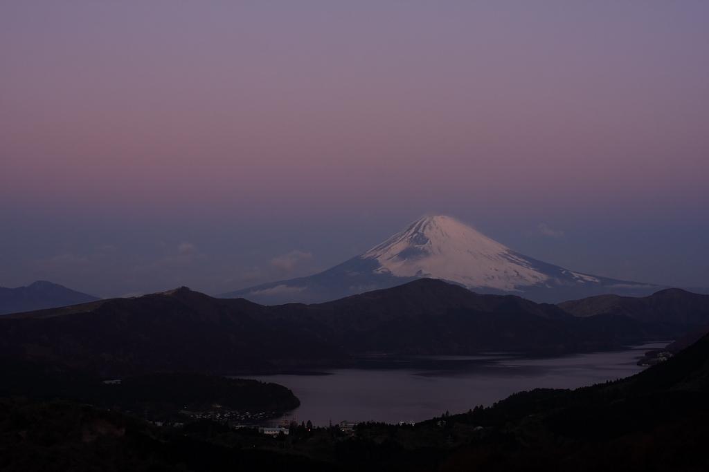 芦ノ湖の夜明け_b0116600_2194288.jpg