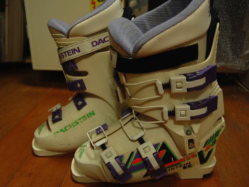 スキーブーツを出してみたの巻_a0041925_1114356.jpg