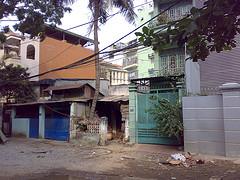 San Art in Saigon ディン・Qがつくったアートセンター訪問記 _b0074921_22502621.jpg