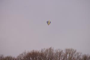 空飛ぶ気球。_f0163491_19441789.jpg