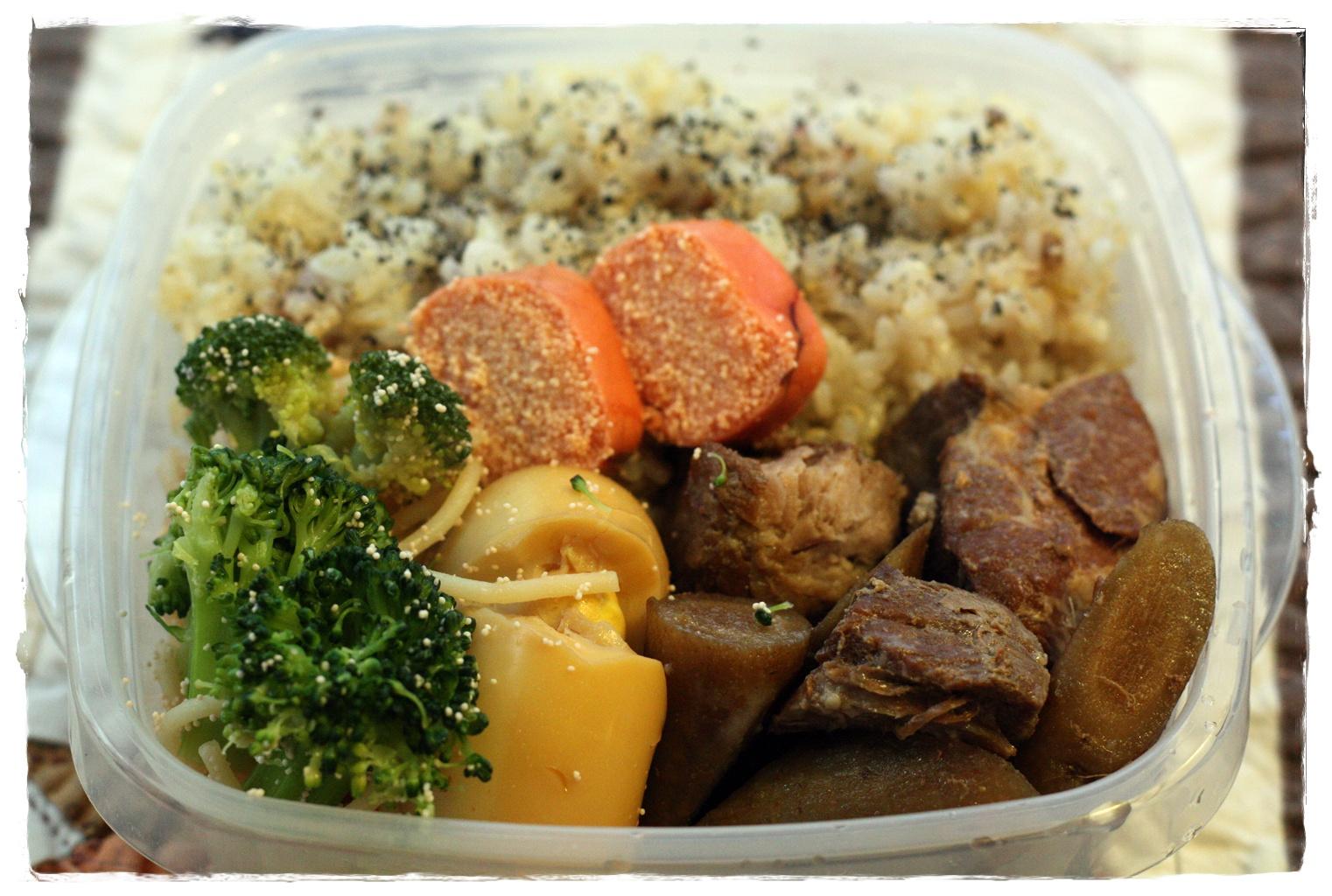 豚の角煮弁当_f0021101_363580.jpg