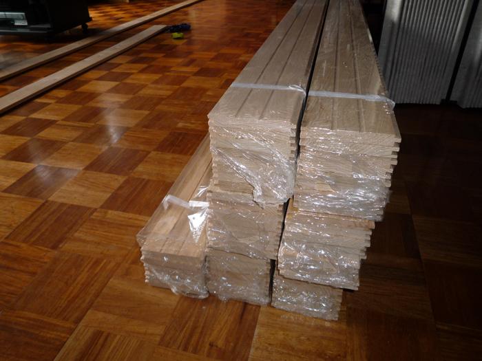 床貼りリフォーム初日です_a0148909_7123375.jpg