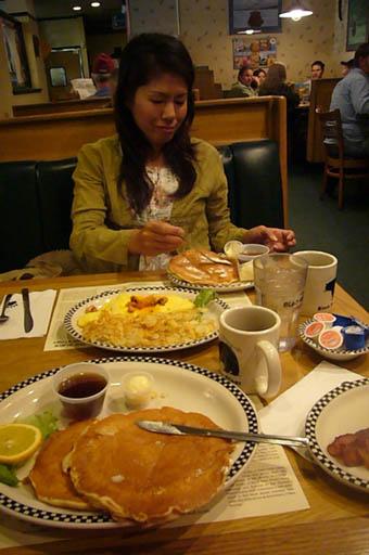 pancakes in Las Vegas._c0153966_22352566.jpg