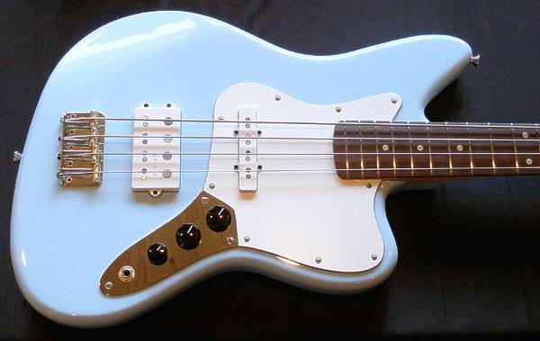 限定4本中の3本のPsychomaster Bassが完成〜ッ!_e0053731_19263151.jpg