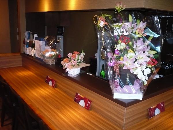 店中 お花でいっぱい!_f0193752_4353114.jpg