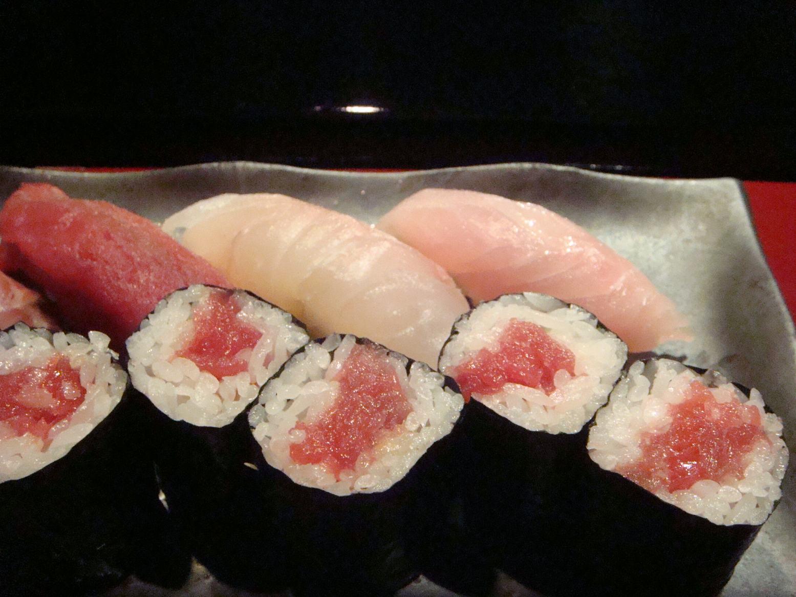 初鮨に日本の文化芸術を感じて、_d0100880_7381624.jpg