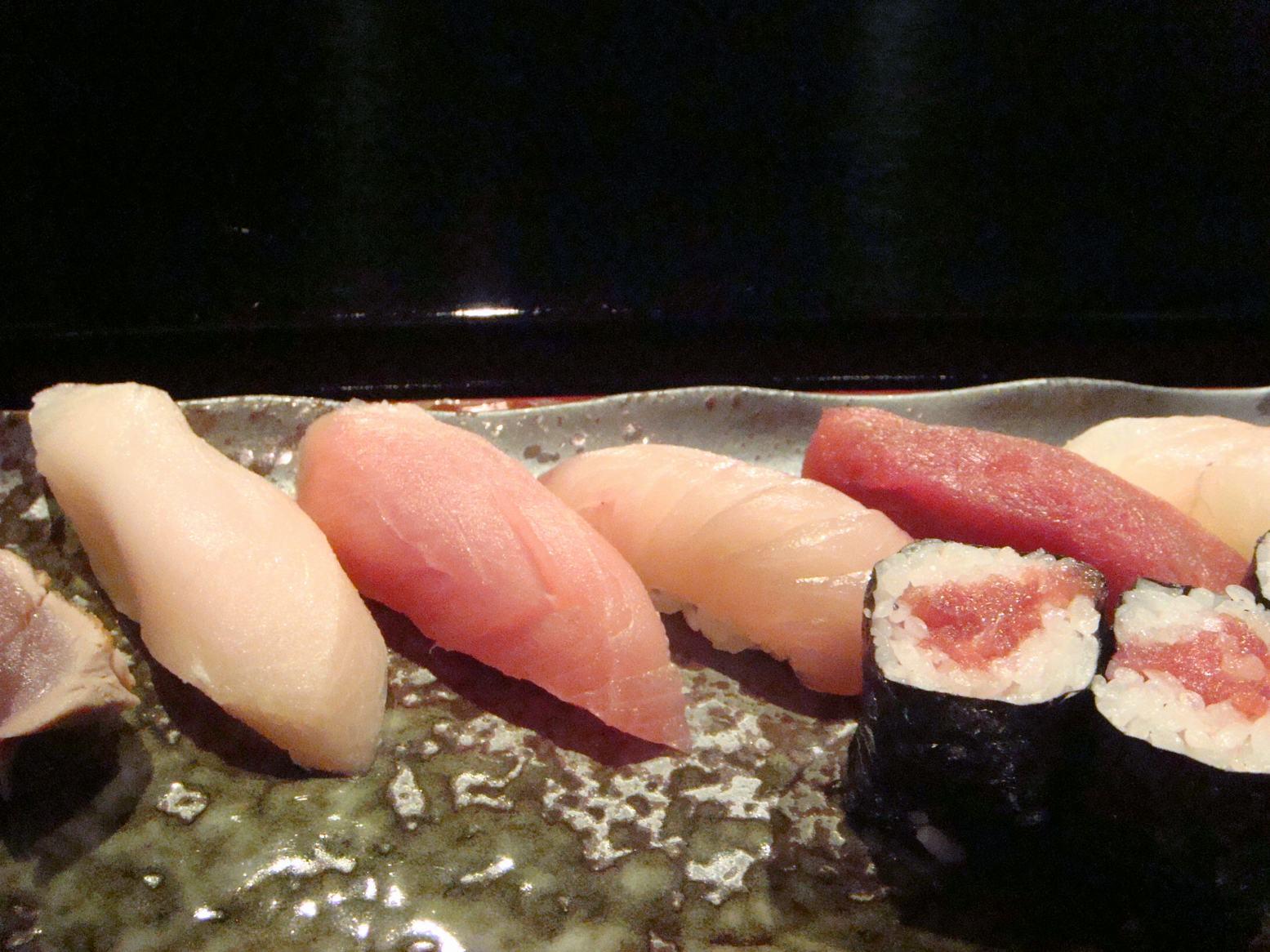 初鮨に日本の文化芸術を感じて、_d0100880_7383190.jpg