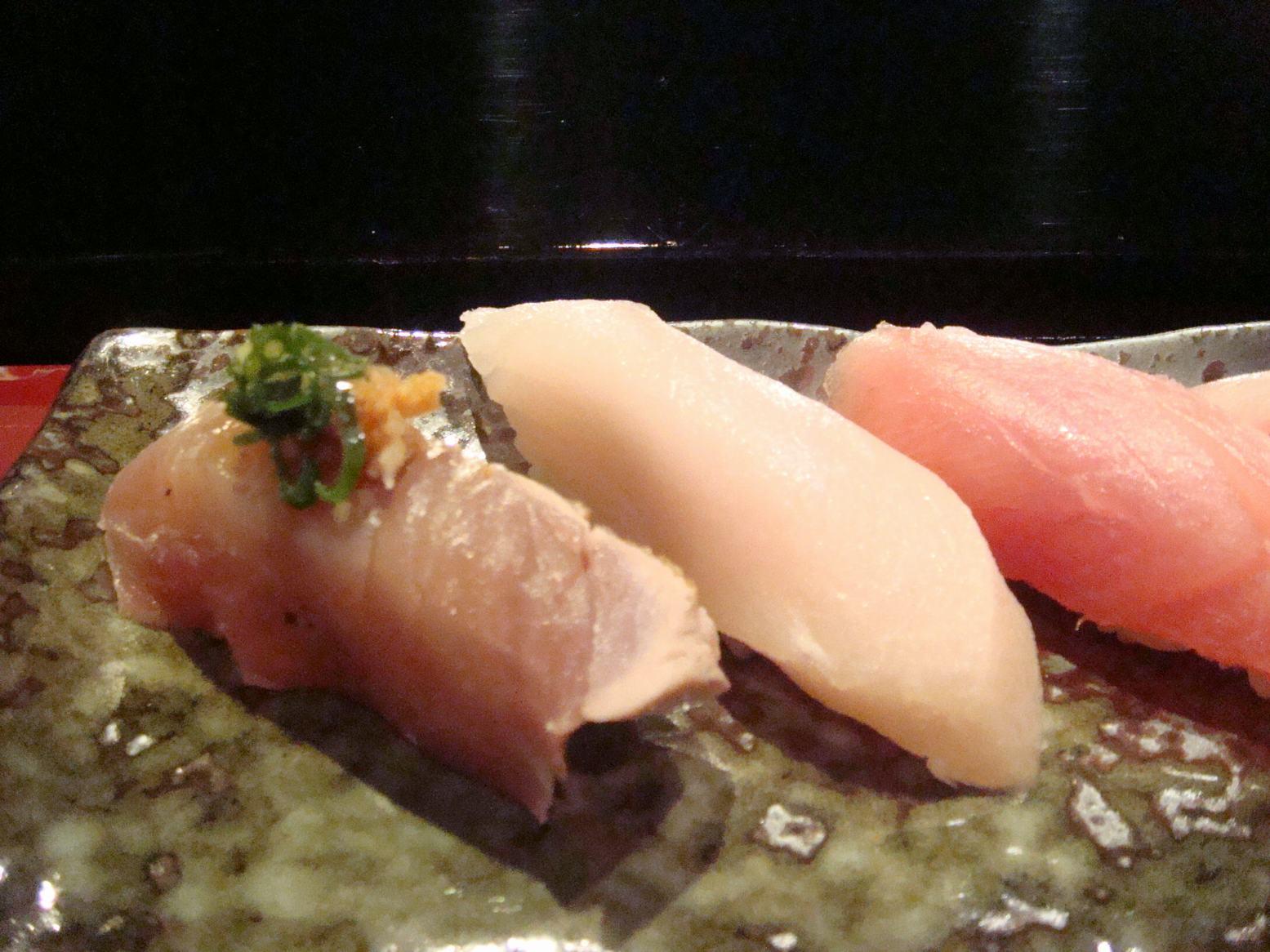 初鮨に日本の文化芸術を感じて、_d0100880_7471879.jpg