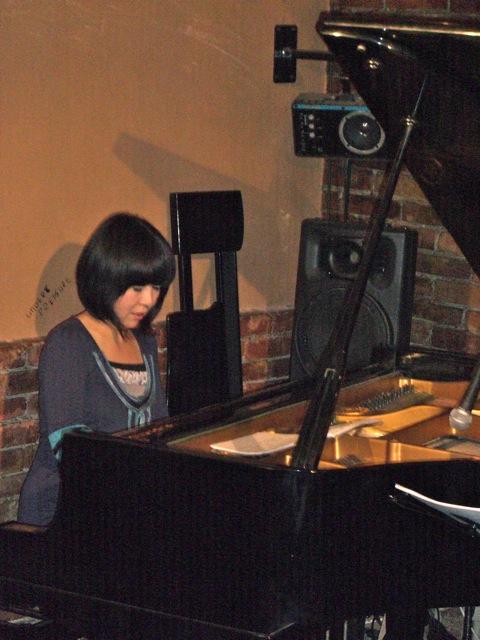相棒ピアノ&音楽との距離_d0052485_1816051.jpg