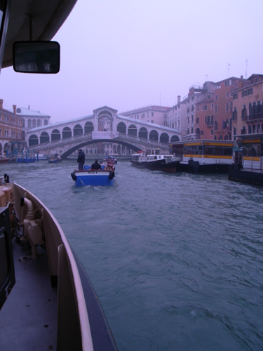 朝の交通ラッシュ~水の街ヴェネツィアにて_f0106597_23101492.jpg